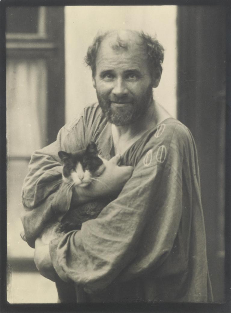 Moriz Nähr (1849 - 1945 Wien), Gustav Klimt mit Katze, 1912, 23x17cm